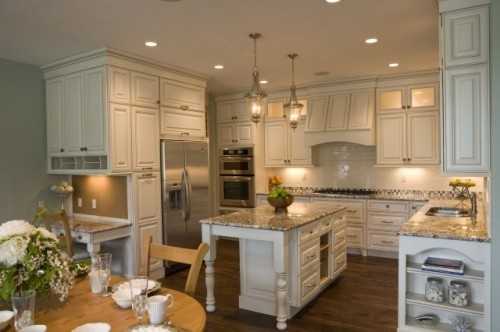 Our kitchen inspiration: Desks Area, Cottages Style, Cottages Kitchens, Dreams Kitchens, Kitchens Layout, Country Kitchens, White Cabinets, Granite Countertops, White Kitchens