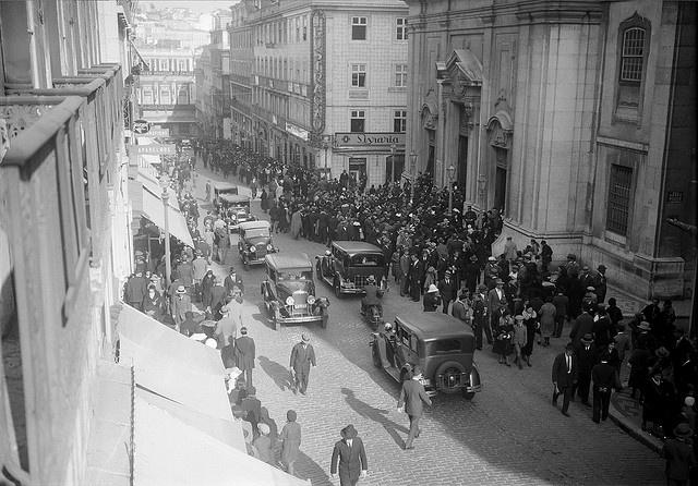 Rua Garret, Lisboa, Portugal Fotógrafo: Estúdio Horácio Novais. Fotografia sem data. Produzida durante a actividade do Estúdio Horácio Novais, 1930-1980.