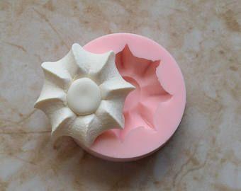 Perro tratamiento de silicona molde, moldes, náutica, playa, océano, animales, artesanías, joyería, Scrapbooking, jabón, resina, arcilla polimérica, moldes de perro Artículo tamaño 1-1/2 de altura x 1-7/8 ancho X 3/8 espesor Molde tamaño 2-3/8 de diámetro x 3/8 de espesor Ofrecemos de este molde en silicona de grado alimenticio. Puede utilizar este molde de silicona de grado de alimentos para chocolate, fondant, azúcar, caramelo, mantequilla o cualquier otro comesti...