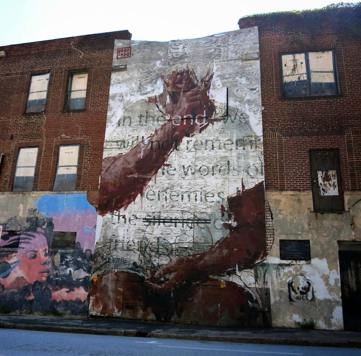Borondo is currently in North America where he was invited to paint for the latest edition of the Living Walls Street Art Festival in Atlanta, USA.