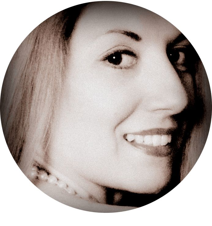 Συνταγή , κείμενο , φωτογραφία , food styling : Σοφία Πιτσικάλη ( Sofia Sofeto).  Ο χαλβάς με ταχίνι ή χαλβάς του μπακάλη , είναι ιδιαίτερα αγαπητός σε εμάς τους Έλληνες. Πρωταγωνιστεί στο τραπέζι μας σε περιόδους νηστείας , στην Σαρακοστή και την Καθαρά Δευτέρα. Όλοι μας λίγο πολύ έχουμε απολαύσει ή έστω δοκιμάσει…