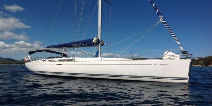 Para una navegación confortable y disfrutar de la náutica, el Dufour 455 Grand Large cuenta con accesorios de snorkel, buceo y dinghy.  Es la mejor opción para alquiler velero Ibiza con todo incluido.