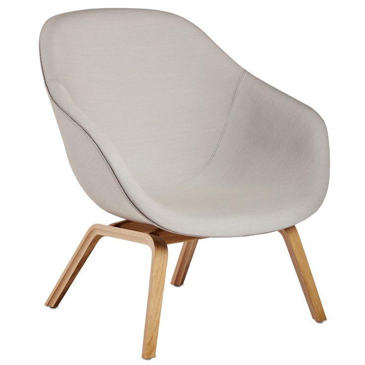 About a Lounge 83 stol från Hay. Tanken med serien About a Lounge var att skapa en loungestol m...