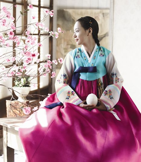 Korean traditional dress by Hanbok House  in this lifetime, i want to wear this national costume~❤❤ #