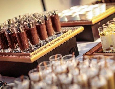 Suspiros y Mousse de chocolate en shots