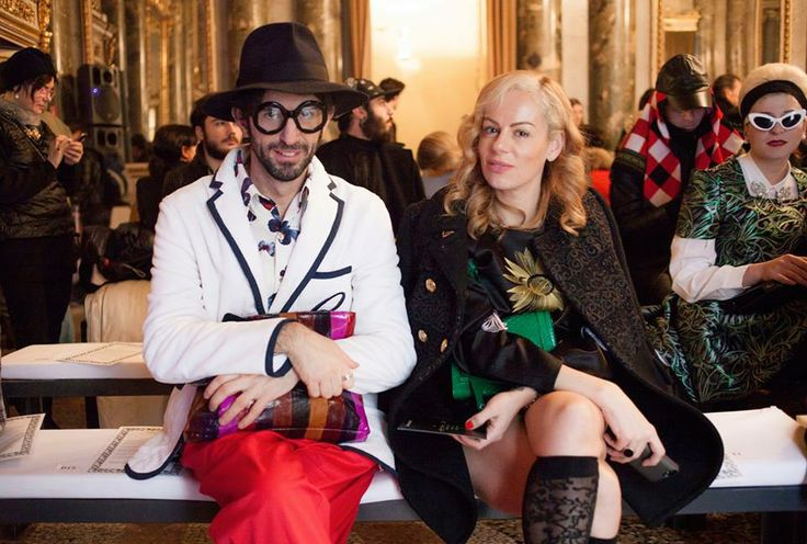 The fashion editor MANOS SAMARTZIS STYLIST (here together with the fashion PR Natasha Slater) is attending the Paris Fashion Week with his chic & colorful KAR Clutch by SALAR Milano! Shop it at WWW.FINAEST.COM | #natashaslater #fashion #finaest #salarmilano #pfw #stylist #moda #mode #outfit #bag