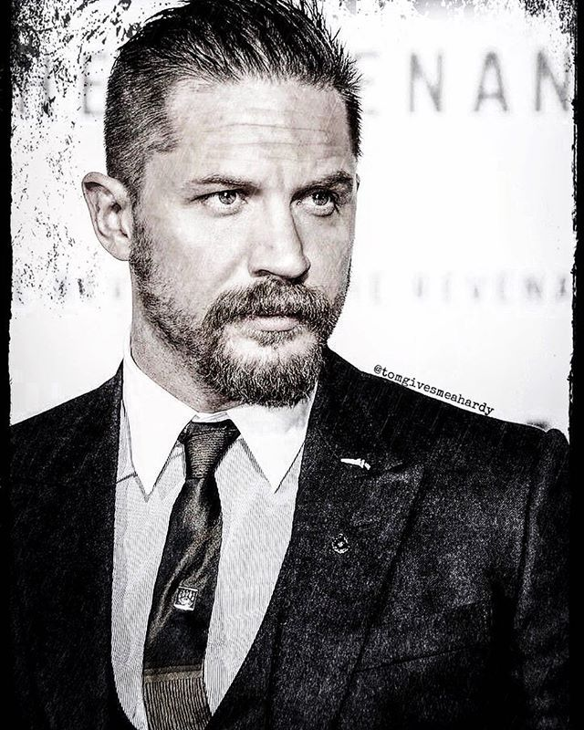 Good morning Hardyfamily! • I woke up from the pouring rain this morning. I guess it's that time of year again☔️ it's such a relaxing sound though I might go back to sleep now • Have a great day❤️ #tomhardy