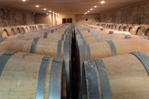 Envie de découvrir le chai du Château Guibeau? Il vous suffit simplement de réserver votre visite sur Wine Tour Booking