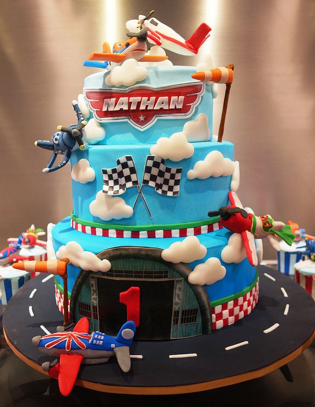 disney planes cake and cupcakes | Flickr - Photo Sharing!