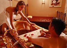 Romantische Tage für Paare: Verwöhntage zu zweit während eines Romantikurlaubs in Bayern lassen sich am Besten in den Wellness-Hotels in der Region Bayerischer Wald genießen.