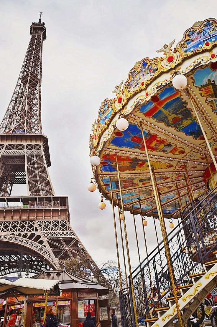 Paris to Luxembourg: Le Carrousel de la Tour Eiffel
