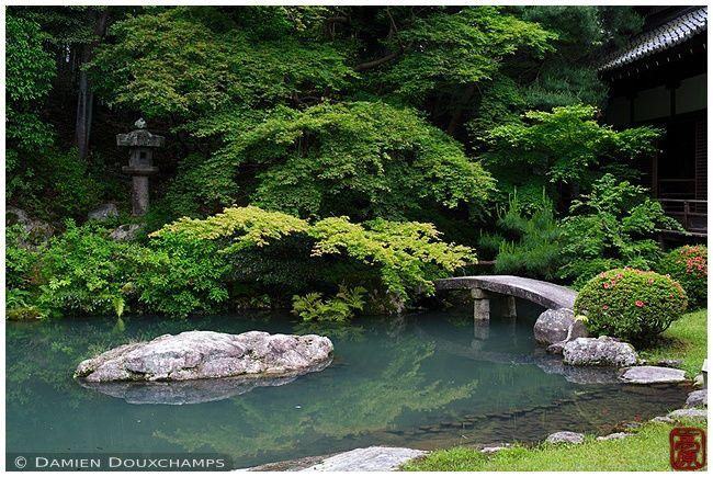 Zne garden with pond, Shoren-in temple