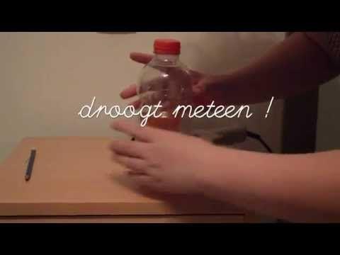 Leer hoe je een splitsfles maakt. Deze fles kan je in je les gebruiken om splitsen aan te brengen, in te oefenen of te automatiseren. Je kan het aantal balle...