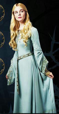 Elle Fanning Aurora Costume 1894 best Princess Aur...