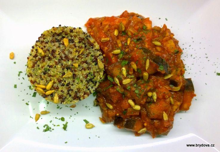 Lilek, pórek, tempeh a quinoa