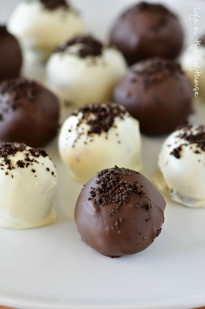 Oreo Truffles! Only 3 ingredients and so delicious!