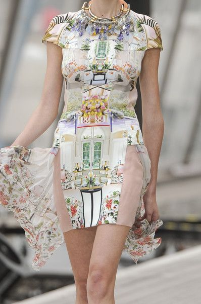 Mary Katrantzou at London Fashion Week Spring 2011 - Details Runway Photos