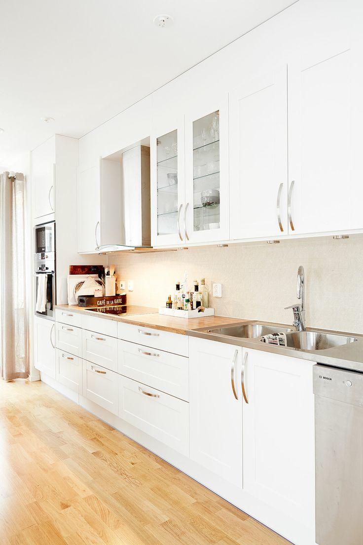 Les 25 meilleures id es de la cat gorie salles blanches for Cuisine blanche et bois