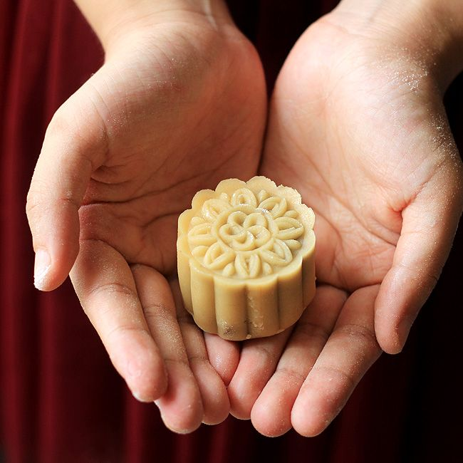 Snow Skin Mooncake-Video Recipe with Custard Filling – China Sichuan Food
