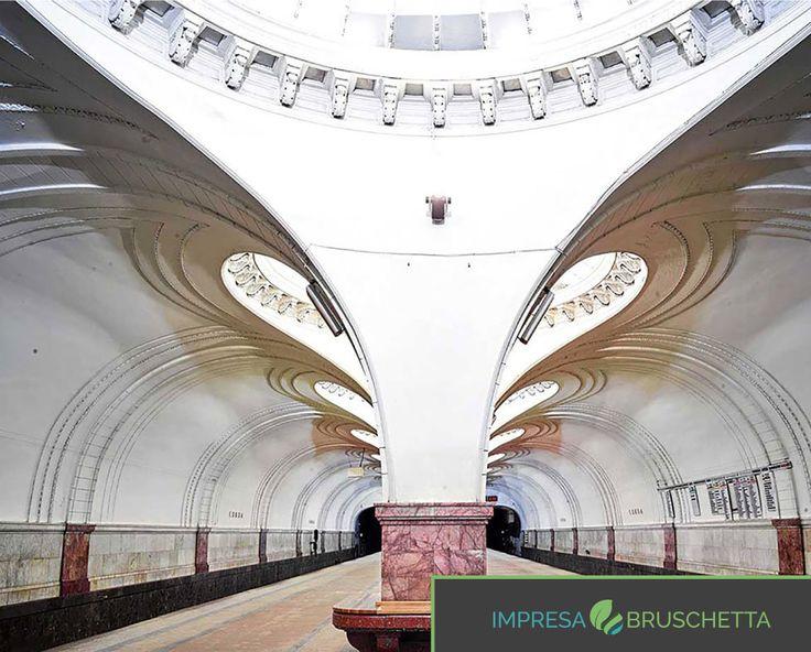 """7-LA METROPOLITANA RUSSA  Le stazioni di Mosca e di San Pietroburgo sono infatti state paragonate a """"soli artificiali sotterranei""""😱😱  Se vuoi un esperienza unica nel mondo dell'edilizia, unisciti a noi...  http://www.impresabruschetta.it/blog-bruschetta/"""