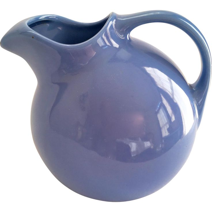 Offered for your consideration is this Hall China Ball Jug #3 Pitcher with Ice Lipin beautiful Cadet Blue. The ball jug is nearly spherical, and is a
