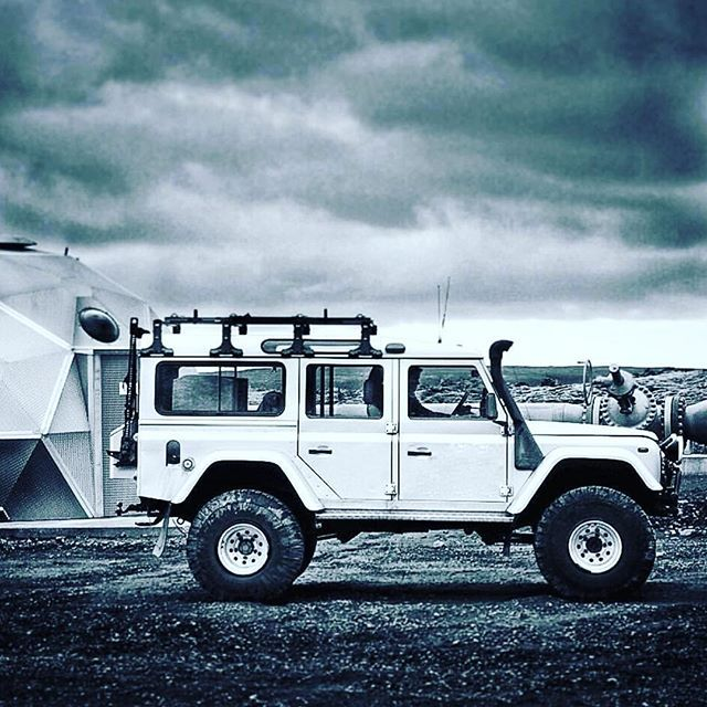 Super Defender @icelandrovers so cool. Pun intended. . . #landroverdefender #defenderv8 #defenderlife #svenmade #defender110 #safari #expedition #explore #defender90 #overland #overlanding #dailyoverland #adventure #defenderseries #outdoor #vintage #travel #traveltheworld #expeditionvehicle #4x4 #military #amazing