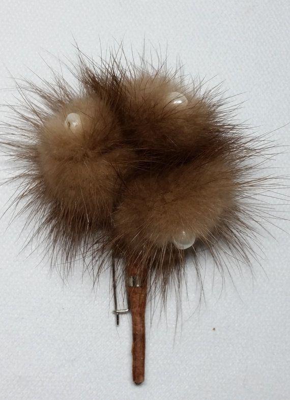 Broche de fourrure de vison ~ Broche Vintage vison brun doux avec Faux Pearls