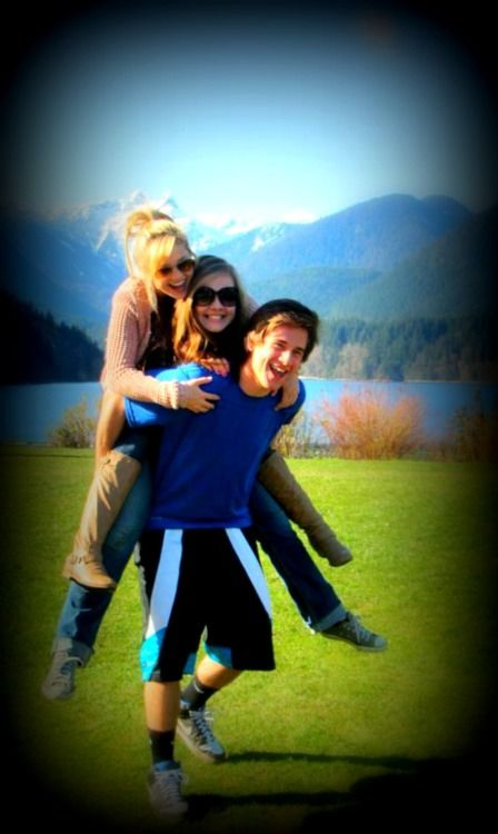 Luke Benward, his sister Gracie, and his girlfriend Olivia Holt.