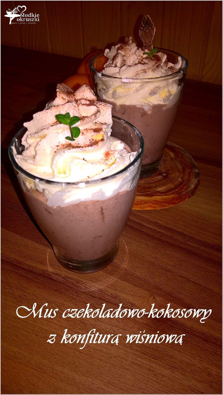 Mus czekoladowo-kokosowy z konfiturą wiśniową