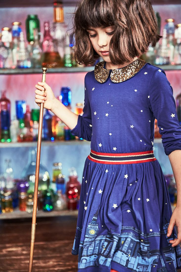 Look what we took straight from one of the BFG's dream jars. This soft and drapey jersey dress has a sparkly elasticated waistband, with lots of golden sequins on its collar and a hem print of London's skyline. Psst: if you look a bit closer, you can spot a certain gentle giant on one of his night-time missions.