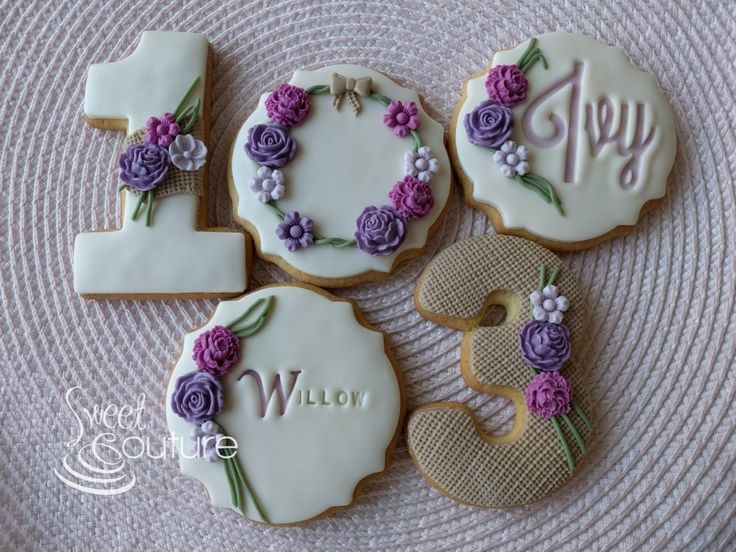 Ivy and willows matching cookies.