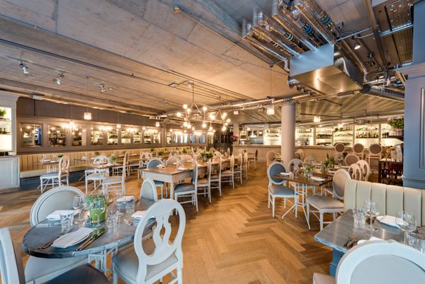 Head to Broadgate London for #Bottomlessbrunch this weekend from £15 http://aubaine.co.uk/hot-deals/cointreau-brunch-at-broadgate-circle/