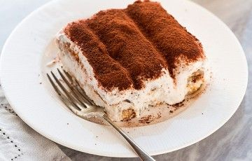 Non rinuncerei mai... al tiramisù!   Uno dei dessert più golosi e diffusi al mondo, caratterizzato dalla dolcezza del mascarpone e dal gusto intenso del caffè!