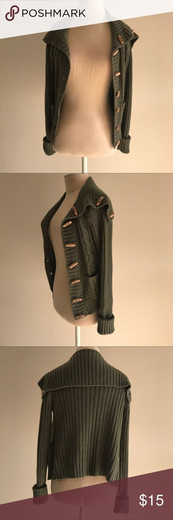 Olive Green Cardigan Comfy and cozy olive cardigan. Great condition! Size medium. Sweaters Cardigans