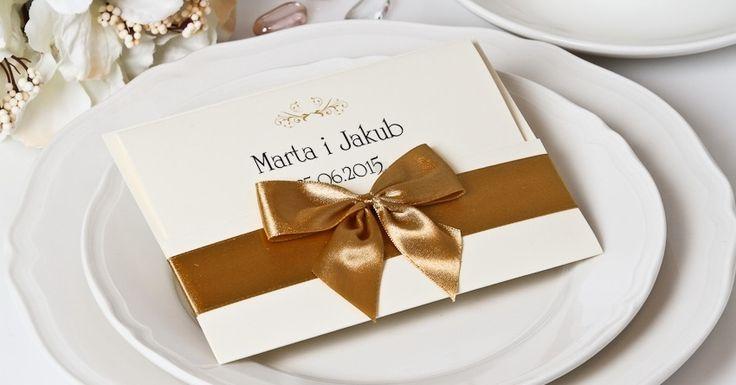 Zaproszenia ślubne Gorzów to idealny sposób na wyjątkowe zaproszenia na wesele! Sprawdź szeroką ofertę naszego sklepu internetowego i ciesz się wyjątkowymi zaproszeniami już teraz!