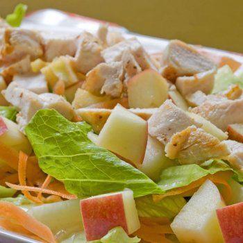 Ensalada de pollo, manzana y zanahoria