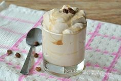 Crema fredda al caffè senza panna e senza uova