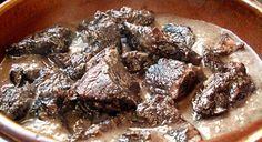 Recette camarguaise de la gardiane de taureau AOC, une daube simple, traditionnelle et délicieuse, la grande spécialité des gardians de Camargue