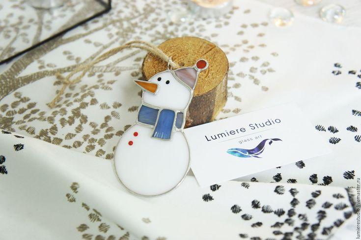 Купить Витражное ёлочное украшение. Снеговик. Цветное стекло. Техника Тиффани - комбинированный, снеговик