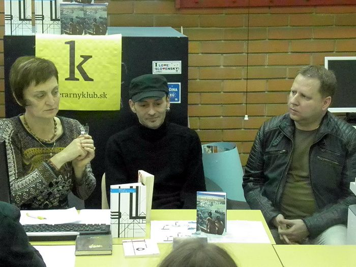 Marta Součková, Agda Bavi Pain a Balla - LiteraTour v Novom Sade, november 2014 (foto: S. L.)