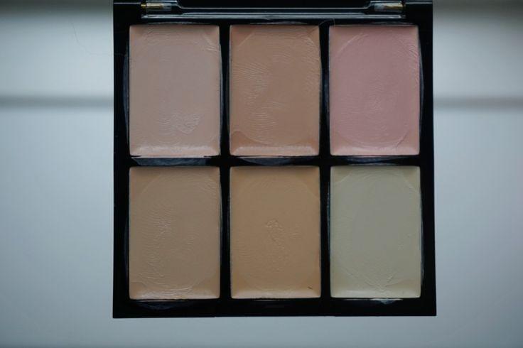 Jeg har testet denne Freedom Makeup Pro Conceal palette, og jeg er simpelthen så imponeret - og så til næsten ingen penge! Detaljer på bloggen <3 #sponsoreret http://beautybymadsen.dk/…/freedom-makeup-pro-conceal-corr…/