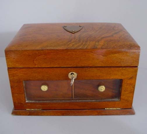 17 best images about vintage jewelry boxes on pinterest for Jewelry box with key