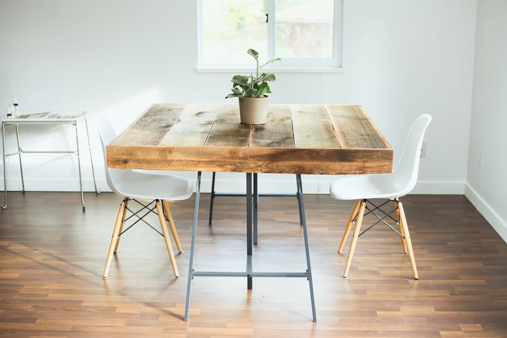 A beautiful recycled wood table found on http://treasuresandtravelsblog.com/blog/2013/11/12/a-look-in-our-studio. Simple a frame legs.
