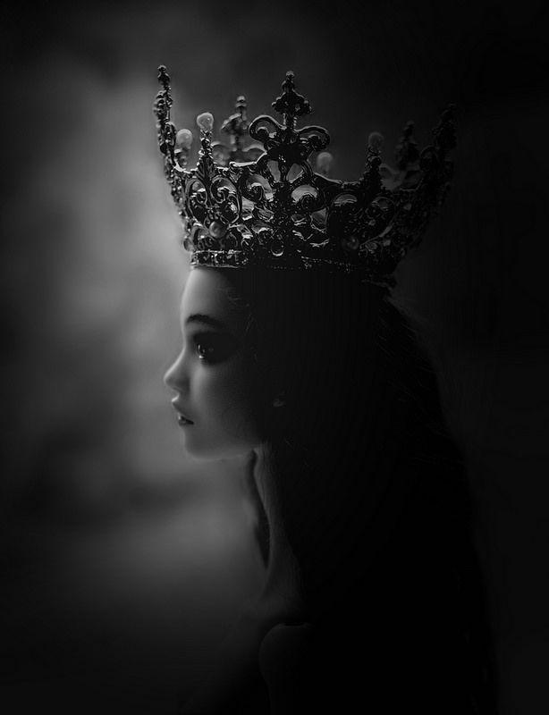 недотрога в короне картинка дали тебе