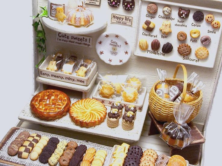 お菓子屋さん ヤフオク❗️に出品予定です即決価格での出品です ハウス・ミニチュアのみのご希望の方が多いのでお菓子屋さんとベアは別売りになります。 出品日が決まりましたらまたお知らせします #ミニチュア #ミニチュアフード #ミニチュアテディベア #テディベア #ミニチュアスイーツ #ドールハウス #お菓子 #手作りお菓子 #お菓子作り #お菓子屋さん #スイーツ #焼き菓子 #パティシエ #ハンドメイド #手芸 #樹脂粘土 #miniature #polymerclay #teddybear #teddy #bake #sweet #sweets  #handmade