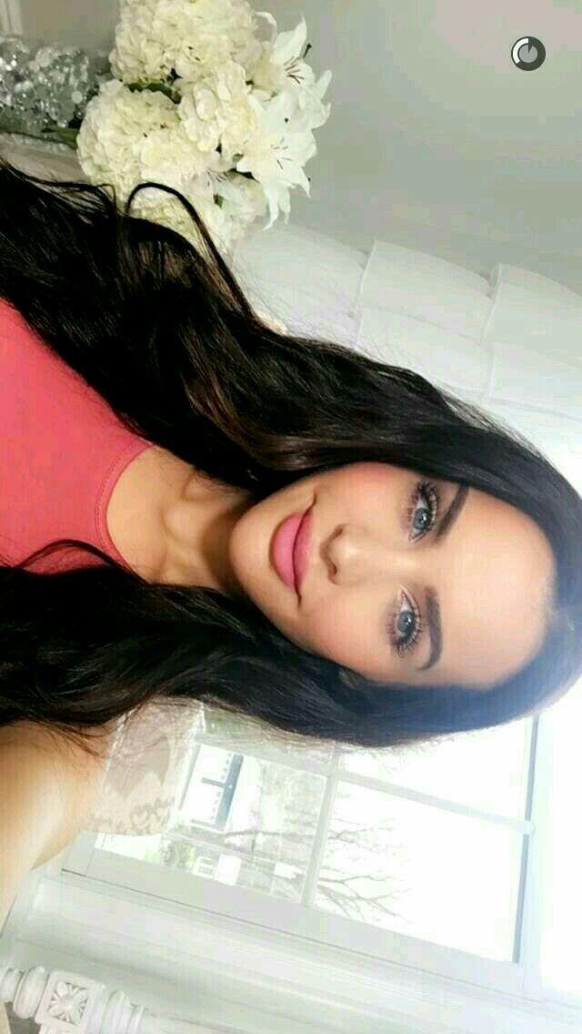 Carli Bybel snapchat pink makeup/outfit