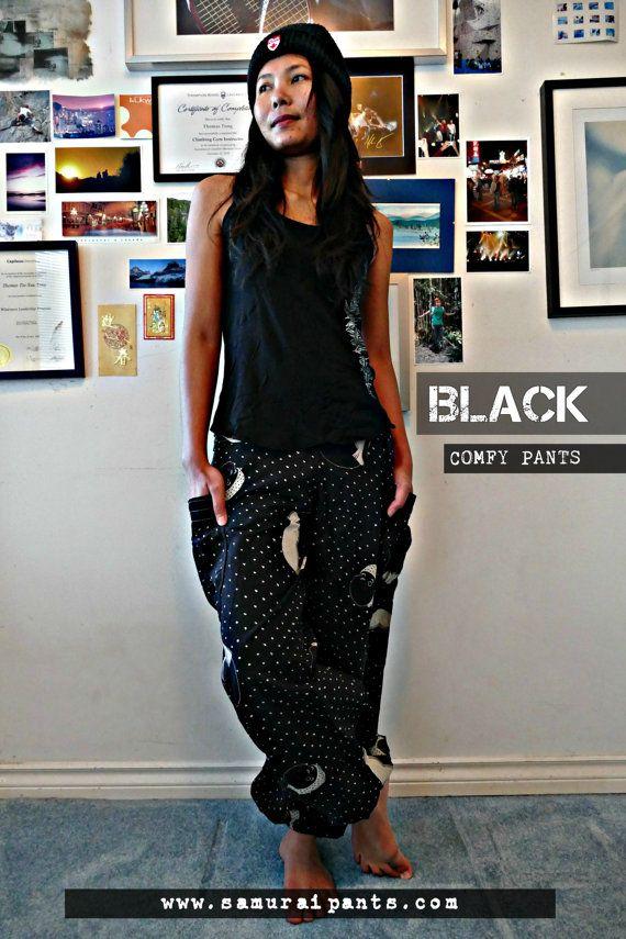 Happy Face Comfy Pants  Black by Siamurai on Etsy  #harempants #samuraipants #thaipants #ninjapants