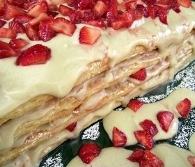 Mille-feuille with wild flowers cream and strawberries