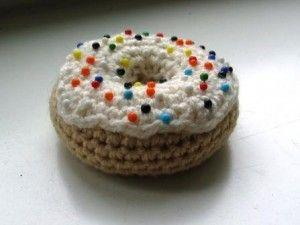 Donut Pincushion and other great last minute crochet gift ideas - all take less than 200 yds of yarn! Get the list at mooglyblog.com