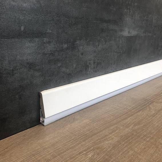 Wir Kombinieren Sockelleisten Mit Led Und Design Bestellen Sie Exklusive Led Licht Sockelleisten In 2020 Sockelleisten Led Licht Fussleisten